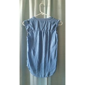 Maison Jules Tops - Maison Jules women's xxs sleeveless chambray top